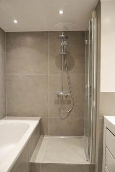 Salle de bain / douche: Salle de bain de style de style Moderne par A comme Archi
