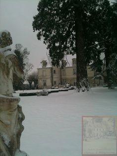 Château de Montgouverne drapé de blanc