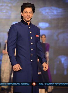 http://bollywood.celebden.com/wp-content/uploads/2014/08/Shahrukh-Deepika-Abhishek-Jackie-Shroff-Sonu-Sood-Boman-Irani-Farah-Khan-Vivaan-Shah-walk-for-Manish-Malhotra-at-Happy-New-Year-trailer-launch-7.jpg