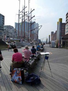 Malreise Hamburg – unser erster Tag in der Hafencity | Malreise Hamburg – Windjammer und die Silhouette der Hafencity (c) Frank Koebsch