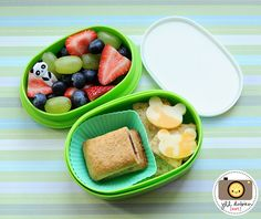 meet the dubiens blog    This was another morning nutrition break bento. She had some green grapes, blueberries and strawberries with a little panda pick in the top tier. The bottom tier held a cereal bar in a silicone muffin cup, and some wheat thin crackers with bear cheese cut-outs.