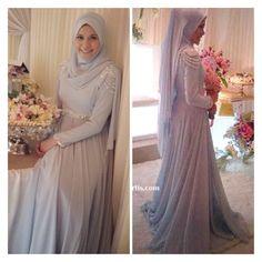 Beautiful blue chiffon dress worn by Rosyam Nor's daughter