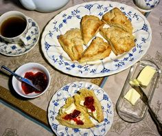 Vanilla Sugar-Crusted Scones: simplelivingeating.com Favorite Breakfasts from Simple Living and Eating http://www.simplelivingeating.com/2015/04/favorite-breakfasts-from-simple-living.html #scones #pancakes #muffins #breakfastrecipes