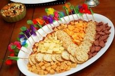 The best Christmas appetizer recipes can be very creative as well as tasty. Appetizers are what gets the party started. They are a nice touch...
