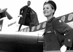 A profissão de aeromoça (ou comissária de bordo) até hoje é uma das que despertam maior curiosidade entre as pessoas. No começo, por exemplo, as profissionais eram proibidas de casar e ter filhos. …