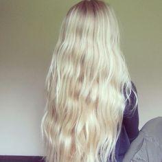 Super long pretty blonde bleached hair Perfect colour, white blonde but multi tonal