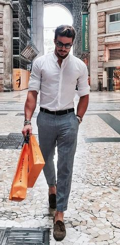 Classy Business Casual Outfit In Winter For Men 13 A couple of years in, the idea of casual Fridays snuck into my workplace. Business casual outfit in winter is […] Outfits Casual, Business Casual Dresses, Mode Outfits, Summer Outfits, Men Business Casual, Mens Dress Outfits, Casual Outfits Classy, Mens Casual Dress Outfits, Men Dress