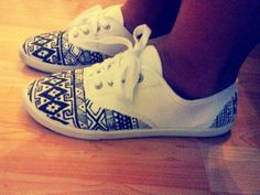 $5.46 white canvas shoes from Walmart (in stores only) + sharpie ultra fine tip + imagination = wearable art :D