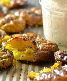 Dilly Smashed Baby Potatoes With Creamy Horseradish Sauce #justeatrealfood #avirtualvegan