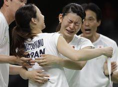 【DAY14】バドミントン女子ダブルスで髙橋礼華選手と松友美佐紀選手組が金メダル。決勝では第3ゲームで16-19とされながらも、そこから5連続ポイントを奪い逆転勝利を収めました! #がんばれニッポン #バドミントン #Rio2016