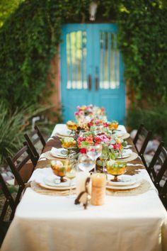 outdoor thanksgiving table #modernthanksgiving