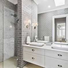 Textures & colour ideas for bathroom This Hamptons style ensuite is designed by Amity Dry and built by Scott Salisbury Homes. Gray And White Bathroom, Grey Bathrooms, Ensuite Bathrooms, Beautiful Bathrooms, Modern Bathroom, Classic Bathroom, Large Bathrooms, Bathroom Fixtures, Small Bathroom