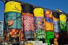 Deux frères jumeaux ont transformé ces gigantesques silos en géants colorés #streetart Octavio et Gustavo Pandolfo