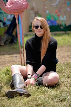 Actress Sophie Turner wears Banana Republic Fall 2014 collection to Glastonbury