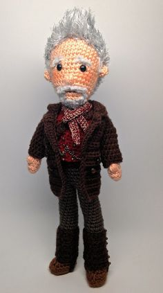 Doctor Who Amigurumi Dolls. The lady has mad skills. Amigurumi patterns some free, some for purchase.