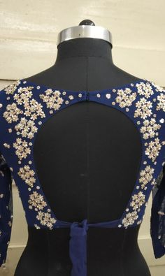 Blouse Back Design Sari Design, Choli Blouse Design, Stylish Blouse Design, Blouse Back Neck Designs, Choli Designs, Fancy Blouse Designs, Bridal Blouse Designs, Choli Back Design, Diy Design