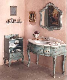Luxury vintage furniture by Bianchini and Capponi. Bathroom Furniture, Home Furniture, Bathroom Vanities, Vintage Furniture Design, Antique Furniture, Painted Furniture, Cool Mirrors, Wood Vanity, Antique Vanity