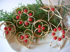 Set of 6 pieces Vintage Christmas Straw Ornaments with Wooden Beads Home Decor for hanging
