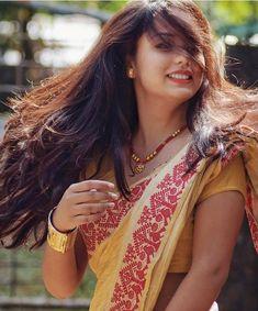 Girl in muga mekhala sador Beautiful Girl Indian, Most Beautiful Indian Actress, Beautiful Girl Image, Beautiful Saree, Beautiful Actresses, Gorgeous Hair, Beautiful Women, Beauty Full Girl, Cute Beauty