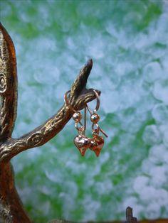 Oorbelletjes met een hartje, materiaal is goldfilled, valentijnsdag