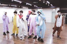Hoseok, Seokjin, Namjoon, Bts Group Photos, Fandom, Bulletproof Boy Scouts, Album Bts, Bts Photo, Foto Bts
