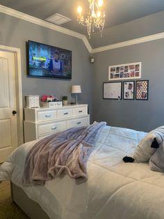 Room Design Bedroom, Room Ideas Bedroom, Bedroom Inspo, Cozy Small Bedrooms, Stylish Bedroom, Deco Cool, Neon Room, Aesthetic Bedroom, Dream Rooms