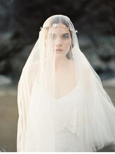 Melinda Rose Design - Braut Accessoires, mit Erich McVey Photography - Hochzeitsguide