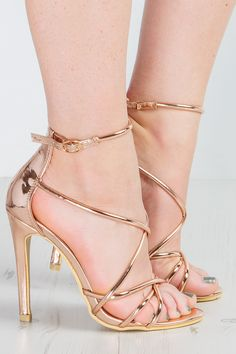 29 Gorgeouse High Hell Shoes Women Good Looking and Beautiful * remajacantik High Heels Boots, Cute High Heels, Beautiful High Heels, Ankle Strap Heels, Shoes Heels, Black High Heels, Stilettos, Stiletto Heels, Gold Strappy Heels