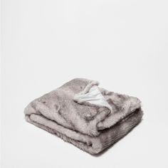 GRAY FUR THROW - Throws - Decoration   Zara Home United States of America