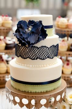 Blue Lace Wedding Cake, Wedding cake photos