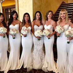 "411 Likes, 9 Comments - Lindsay Kenna (@bridalinstaglam) on Instagram: ""🌹Tag a friend in need of some beautiful wedding inspo!  Bridesmaid dresses by @ellezeitounedesigns"""