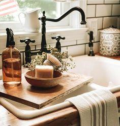 Kitchen Pantry, New Kitchen, Kitchen Dining, Kitchen Decor, Colonial Kitchen, Farmhouse Style Kitchen, Fall Home Decor, Autumn Home, Taps