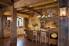 diy rustic mountain bird houses   Rustic Kitchens in Mountain Homes-17-1 Kindesign