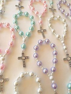Items similar to A DOZEN Beautiful Lavender, Light Blue and White Pearl Rosary Bracelets. Angel Earrings, Leaf Necklace, Bridal Necklace, Beaded Jewelry, Fine Jewelry, Jewelry Making, Beaded Bracelets, Handmade Jewelry, Première Communion