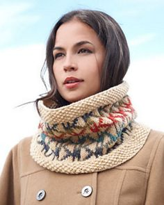 This knit cowl pattern is one of our absolute favorites for fall. The Seed Stitch Aztec Cowl has everything: a cozy knit construction, a gorgeous color scheme, and a trendy Aztec pattern.