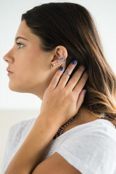 Ear cuff <3 (via chicityfashion.com)