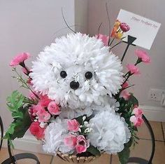 that's the bichon attitude! Art Floral, Floral Design, Flower Box Gift, Flower Boxes, Creative Flower Arrangements, Floral Arrangements, Unique Flowers, Diy Flowers, Puppy Flowers