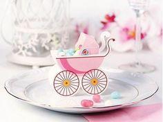 Ver detalles de Cajitas sorpresa bebé rosa (10) Baby Motiv, Boutique Deco, Cupcakes, Baby Strollers, Place Card Holders, Tableware, Blog, Baby Showers, Pink