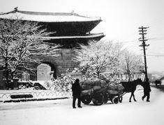 Seoul Namdaemun, by Yi,Hyeong-rok Korean Photography, Seoul, History, World, Photographers, Outdoor, Outdoors, Historia