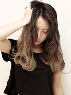 ヘアーサンディ hair SUNDY★ アッシュグラデーション street girly SEMILONG ★