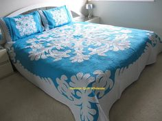 Hawaiian hand quilted aqua and off white quilt Sea Turtles Round