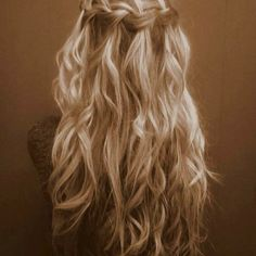 Waterfall braid/ curls