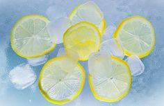 Наверняка вы знаете, что лимоны зарекомендовали себя как отличное средство против многих болезней. Но вам может быть не известно, что замороженные…