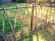 Colonial Fence by Carla Gade - Photo 15594017 / Diy Garden Fence, Veg Garden, Garden Edging, Garden Gates, Garden Whimsy, Woodland Garden, Rustic Gardens, Outdoor Gardens, Cerca Natural