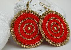Red golden earrings  Crochet earrings  Textile by lindapaula, €9.00  Pendientes, aretes, zarcillos de ganchillo.