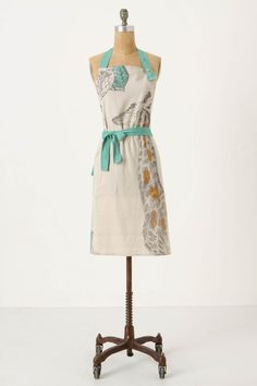 This giraffe apron is the perfect combo of blue, yellow, and whimsy!