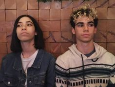 Cameron Boyce with sister Maya Boyce Cameron Boyce Family, Cameron Boys, Dove Cameron, Cameron Boyce Descendants, Les Descendants, Descendants Videos, Gamer's Guide, Rest In Peace, Jessie