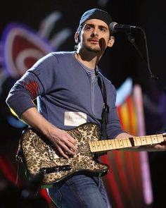 Country Music Fans Nashville Music, Country Music Awards, Brad Paisley, Song List, Yesterday And Today, Country Boys, News Songs, Music Is Life, Fans