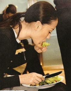 Models Like to Eat veggies