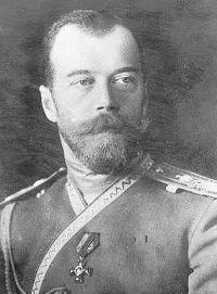 """De Russische tsaar Nicolaas II was de vader van de zieke Aleksej. In de hoop dat zijn zoon Aleksej zou genezen, nodigde hij Grigori Raspoetin uit in zijn paleis om Aleksej te """"behandelen"""". Op de foto is tsaar Nicolaas II te zien."""